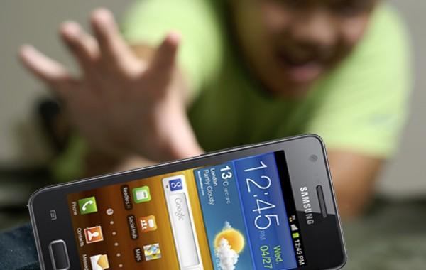 Con người đang nghiện smartphone?