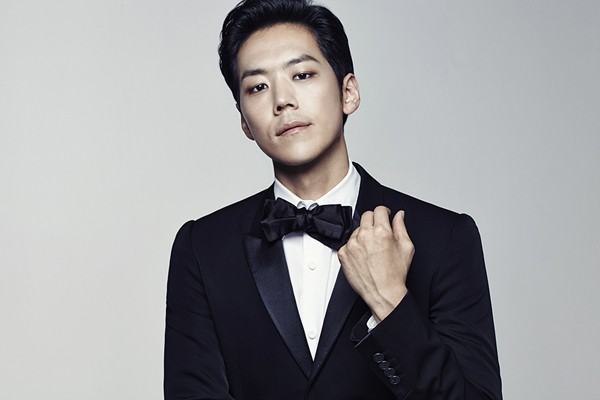 Sao Hàn bị tố gửi ảnh khiêu dâm cho fan