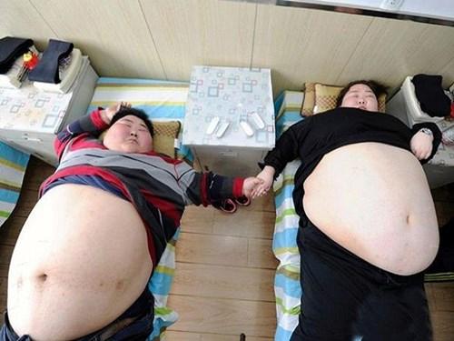 Cặp đôi nặng 360kg ở Trung Quốc quyết định giảm cân để có con