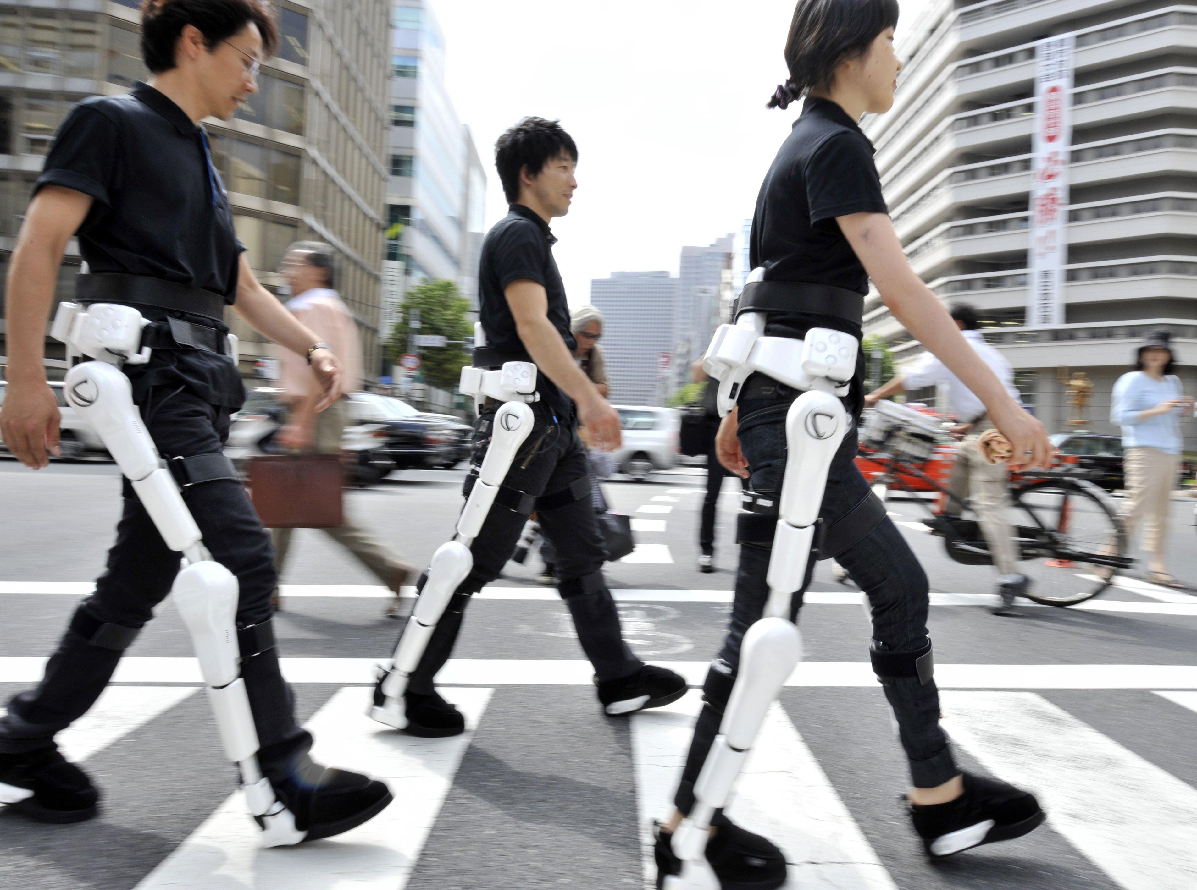 Nhật Bản bắt đầu cho phép bán khung xương robot