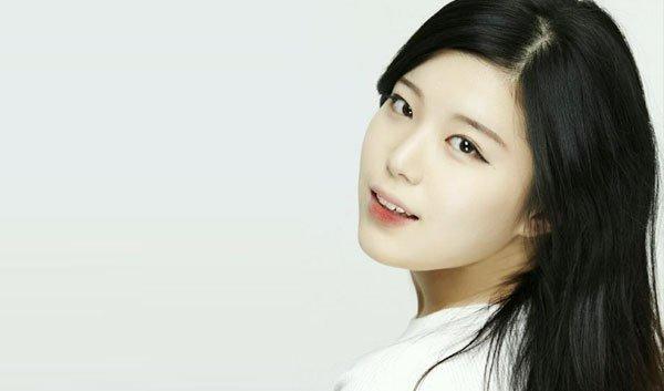 Diễn viên Hàn qua đời ở tuổi 22 sau tai nạn giao thông