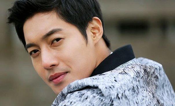 Cha mẹ lên tiếng sau kết quả xác nhận con của Kim Hyun Joong