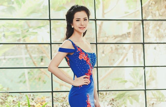 Kiều nữ Lý Thiên Trúc kiêu sang với váy dạ hội Tommy Nguyễn