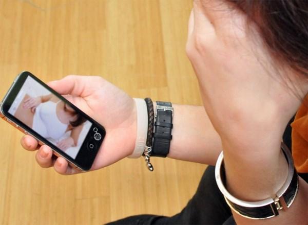 Sexting trong giới trẻ - giật mình với những con số