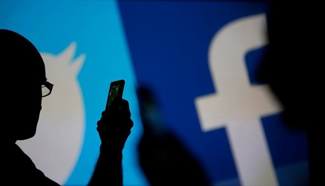Facebook thừa nhận cần học hỏi từ Twitter