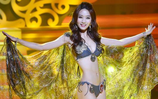 Nhan sắc 3 đại diện đầu tiên của châu Á tại Hoa hậu Hoàn vũ 2016