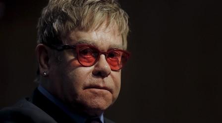 Elton John bị kiện tội quấy rối tình dục
