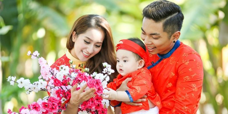 """Phan Hiển """"thú nhận"""" yêu Khánh Thi khi còn là cậu bé 17 tuổi"""