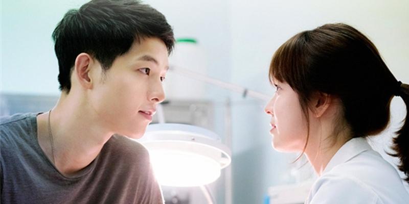 """10 điểm trùng hợp đến """"vi diệu"""" của cặp đôi Song Hye Kyo - Song Joong Ki"""