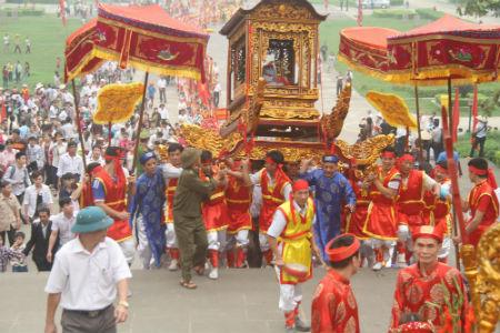 Lễ hội Đền Hùng năm 2016: Rước kiệu linh thiêng về đất Tổ