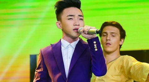 Quang Linh nhắc nhở khán giả cổ vũ cho hot boy 18 tuổi