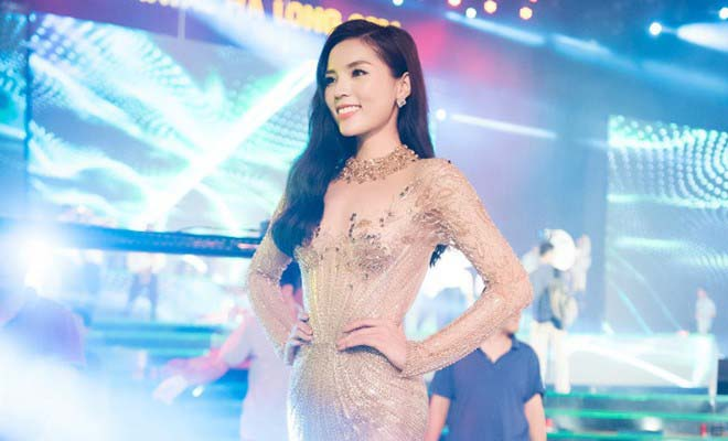 Hoa hậu Kỳ Duyên bỏ mặc tin đồn, thoải mái dự sự kiện