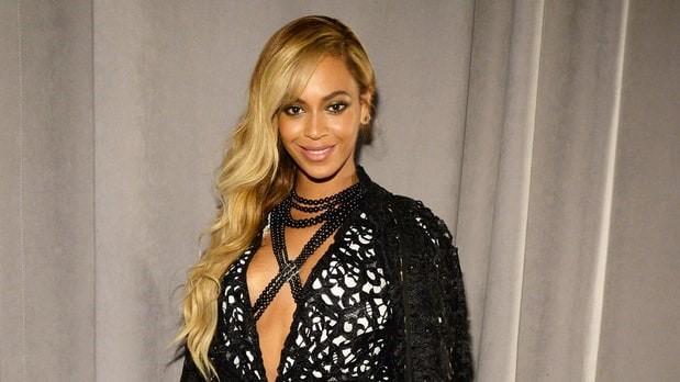 Album bí mật của Beyonce đứng đầu doanh thu