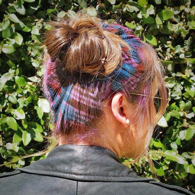 Giới trẻ thế giới rộ trào lưu tạo hình sắc màu trên tóc