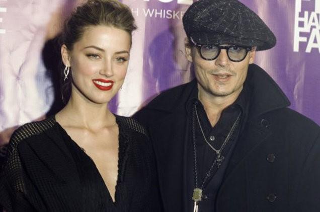 Nữ diễn viên lưỡng tính đệ đơn ly dị Johnny Depp
