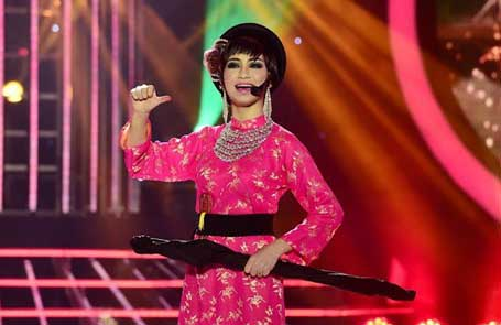 Nhạc sĩ Đức Huy sốc khi Hòa Minzy hát cải lương