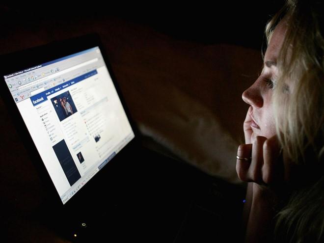 Facebook bị tố nghe lén điện thoại của người dùng
