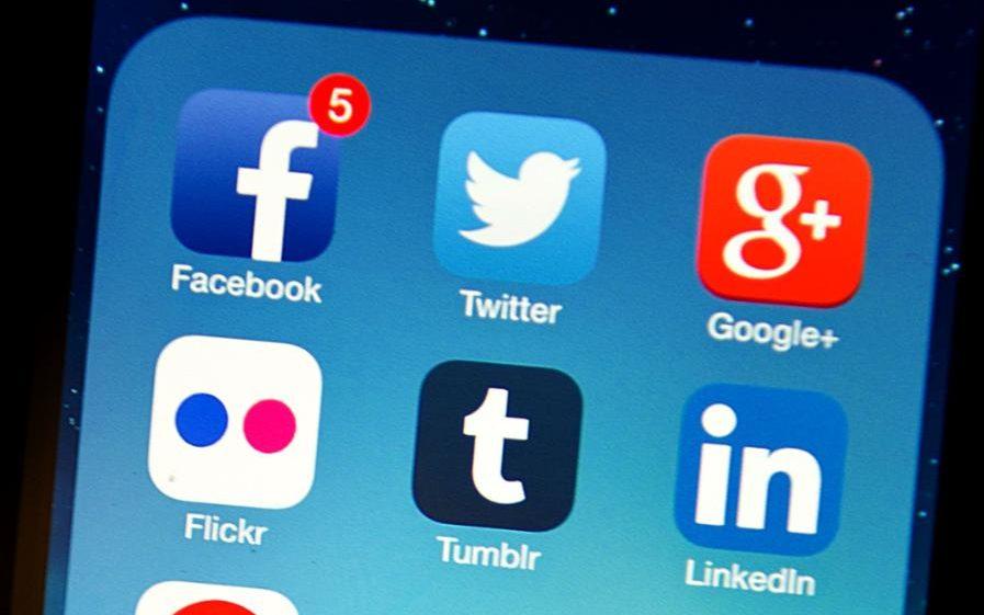 Facebook sẽ xóa bình luận tiêu cực của người dùng