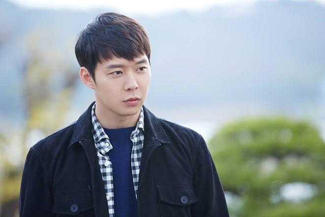 Park Yoochun bị tố tấn công tình dục