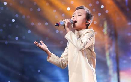 Hồ Văn Cường khiến giám khảo rụng rời khi hát cải lương