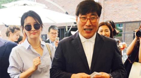 Cuộc sống đời thường giản dị của gia đình Lee Young Ae