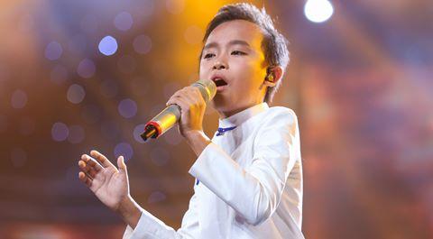 """""""Hồ Văn Cường không dễ dàng lên ngôi quán quân Idol Kids"""""""