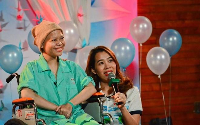 Hạnh phúc bất ngờ của cô gái ung thư máu