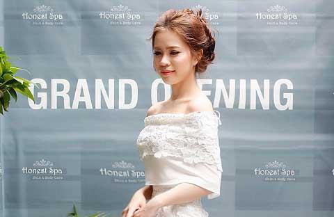 NTK Luxy Nguyen mừng khai trương Honest Spa