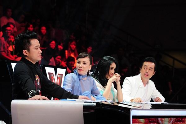 """X-Factor: Giám khảo """"đại chiến"""""""