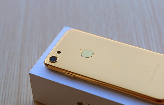 Bản mẫu iPhone 7 mạ vàng xuất hiện tại Việt Nam