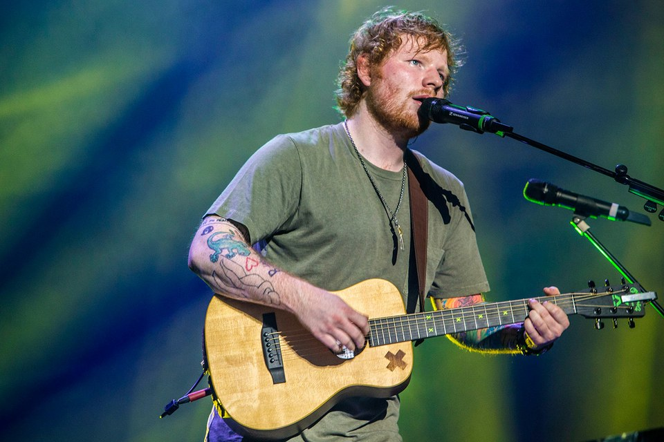 """""""Thinking Out Loud"""" của Ed Sheeran bị tố đạo nhái"""