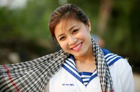 """MC Hoàng Linh: """"Tôi yêu nhiều và đổ vỡ cũng nhiều"""""""