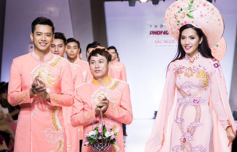 Sàn diễn lung linh với BST mùa thu của NTK Tommy Nguyễn