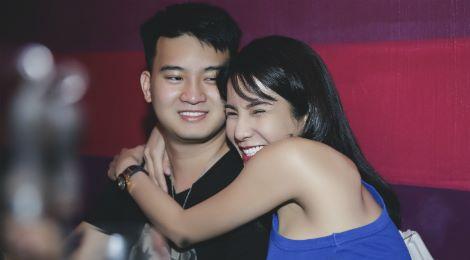 Diệp Lâm Anh hạnh phúc ôm bạn trai trong tiệc sinh nhật