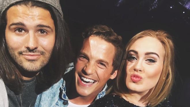 Adele khiến fan nghẹn ngào vì nhận lời đến dự đám cưới