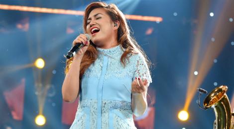 Cô gái Philippines hát nhạc Trịnh quên lời nhưng được khen