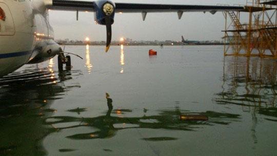 Sân bay Tân Sơn Nhất ngập do tuyến thoát nước bị lấn chiếm