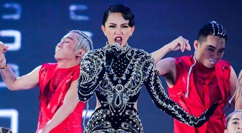 Thu Minh, Tóc Tiên tỏa sáng trên sân khấu Hoa hậu Việt Nam