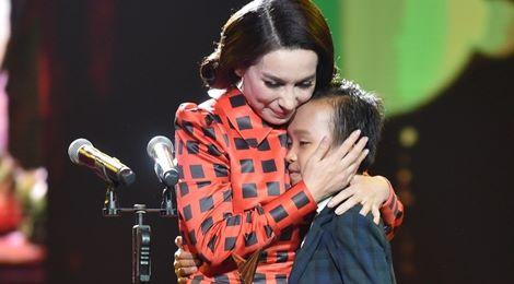 Hồ Văn Cường đánh bại Sơn Tùng giành giải Ca sĩ ấn tượng