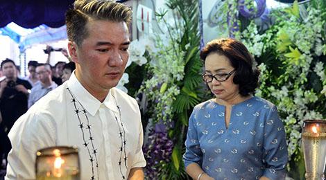 Đàm Vĩnh Hưng, Thu Phương khóc nức nở khi viếng Minh Thuận