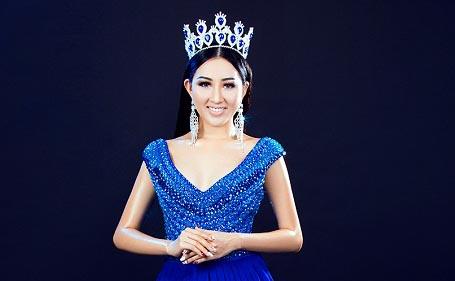 Hoa Hậu Huỳnh Thuý Anh khoe nét đẹp vương quyền