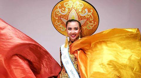 Lại Thanh Hương đoạt giải Trang phục dân tộc đẹp nhất