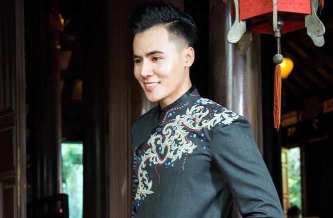 Hồ Văn Phúc háo hức trước buổi trình diễn BST mới của NTK Tommy Nguyễn
