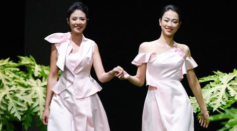 Hoa hậu Ngọc Hân thức trắng đêm làm bộ sưu tập xuân hè