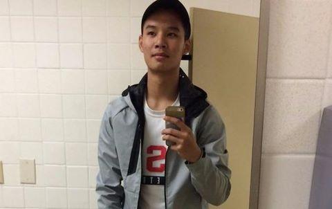 Chàng trai gốc Việt nổi tiếng vì đổi quần với bạn gái
