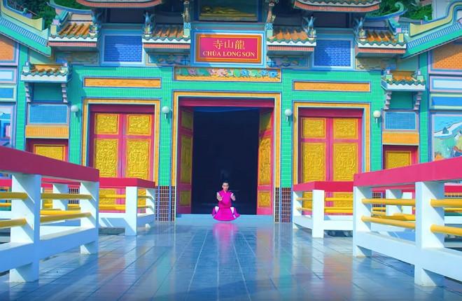 Chùa Long Sơn xuất hiện trong MV Âu Mỹ