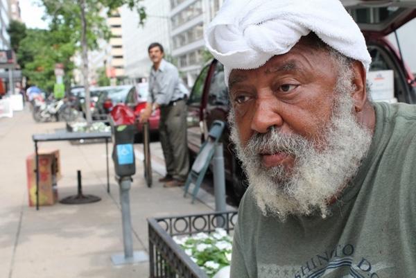 Cuộc gặp gỡ làm thay đổi cuộc đời của người đàn ông vô gia cư
