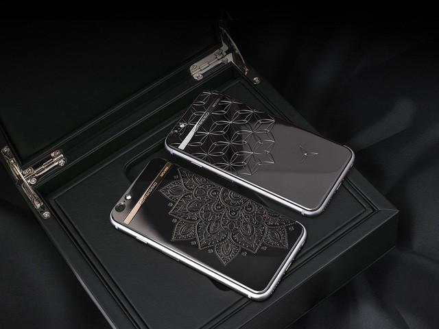 iPhone 7 cho nữ doanh nhân giá 5.900 USD