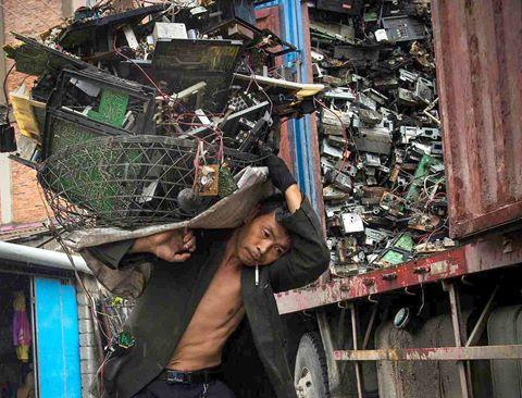 """Bên trong """"thủ đô phế thải"""" công nghệ ở Trung Quốc"""