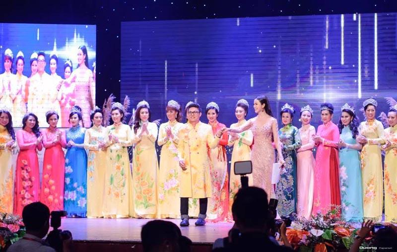 NTK Tommy Nguyễn ra mắt BST Áo dài tôn vinh các Nữ doanh nhân Việt Nam